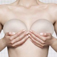 пластика груди с имплантами из силикона